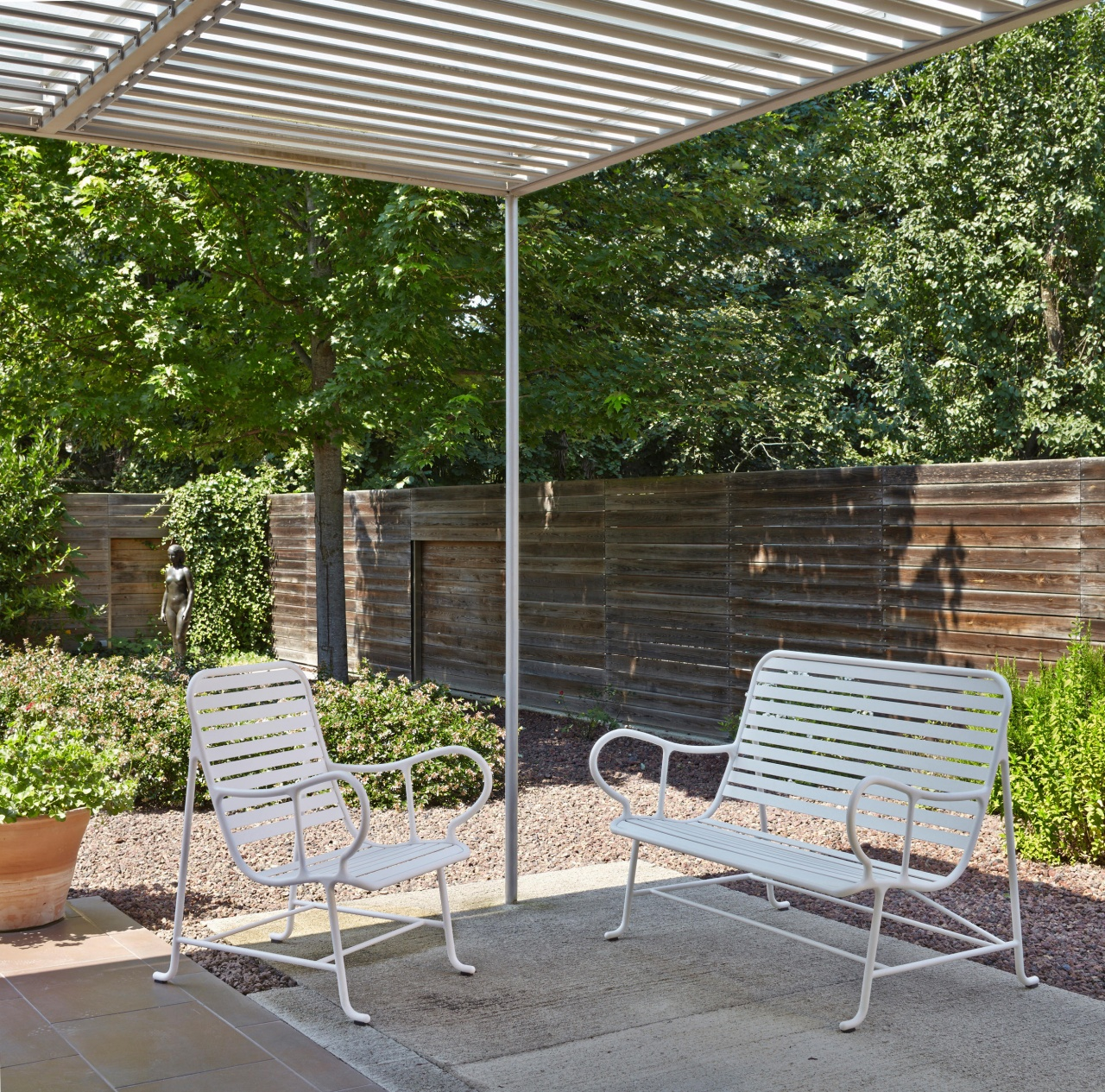 Gardeniad Bench