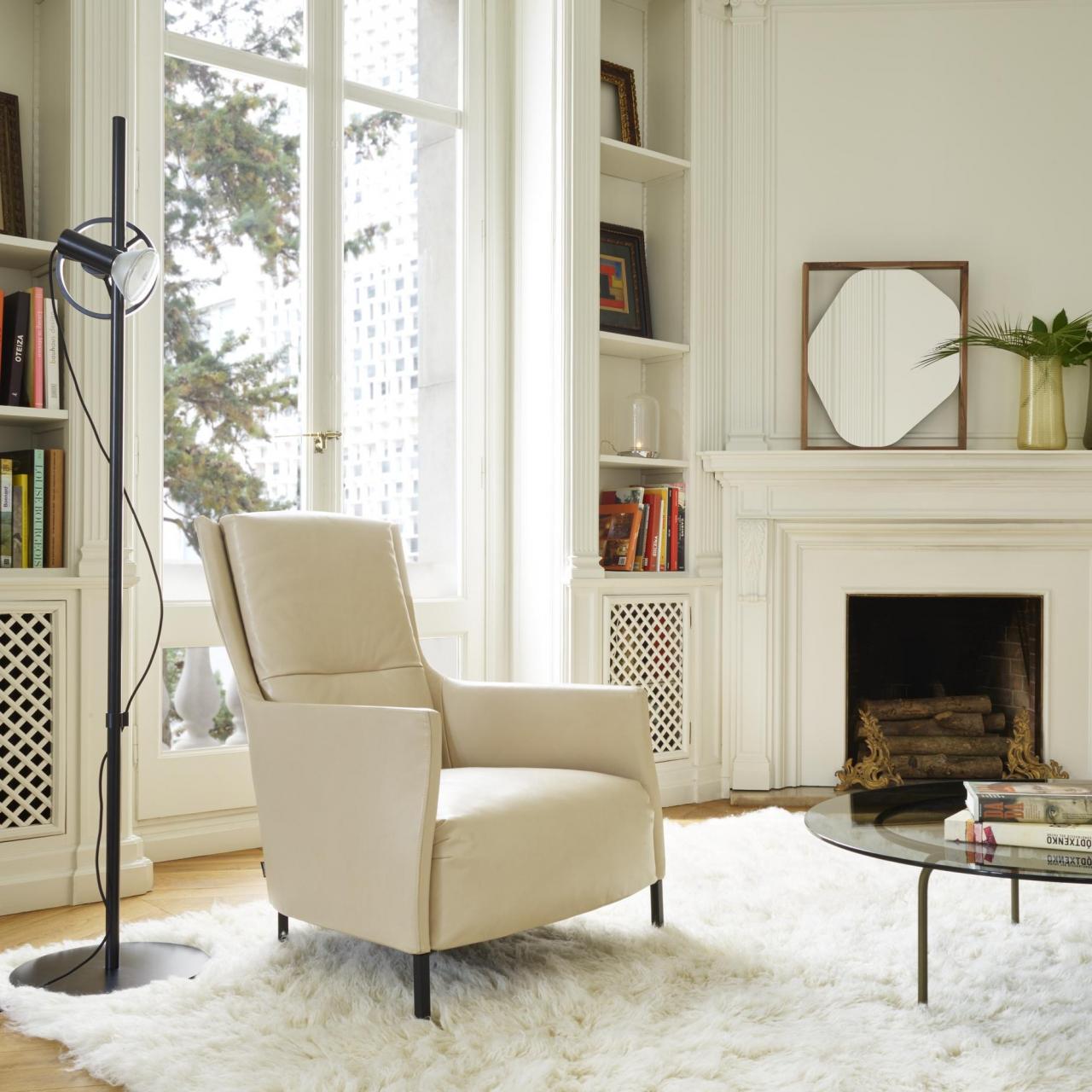 Riga armchair + Ottoman